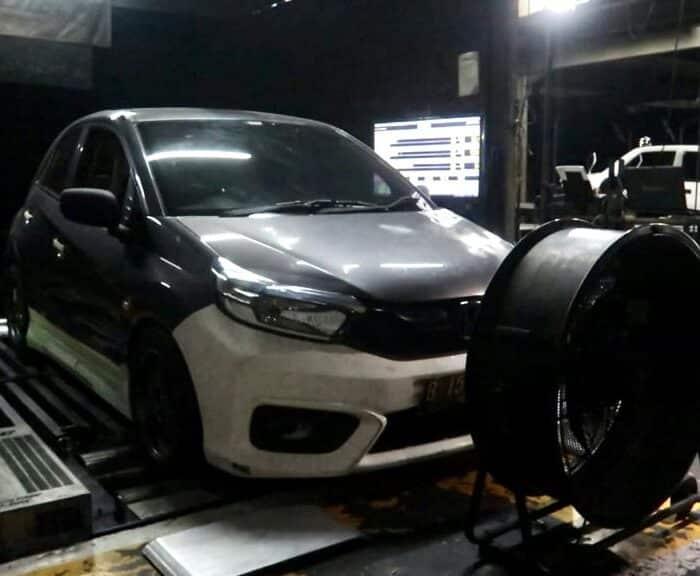 Intip Proses Penggarapan Mobil Modifikasi Brio Turbo Supergiveaway Road to IMX Pekanbaru